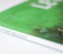 """Actiefoto van actie Donatie van €5 per Fotoboek """"Deze club doet ons leven"""" 10 jaar FC Groningen in beeld gebracht met de bekerfinale als slot."""