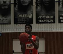 Actiefoto van actie UBALL U16 naar een international basketbal toernooi!!!